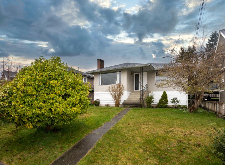 524 E 9th Street, Boulevard, North Vancouver
